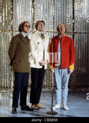 SCAFFOLD UK pop trio in December 1967 from left: John Gorman, Mike McGear, Roger McGough. Photo Tony Gale - Stock Photo