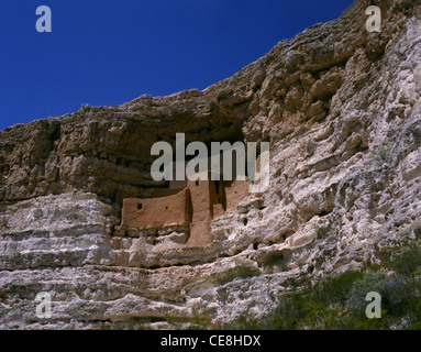 ARIZONA - Montezuma Castle cliff dwelling in the Montezuma Castle National Monument. - Stock Photo