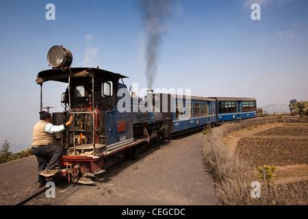 India, West Bengal, Darjeeling Batasia Loop, Himalayan Mountain Railway train 786b Ajax - Stock Photo