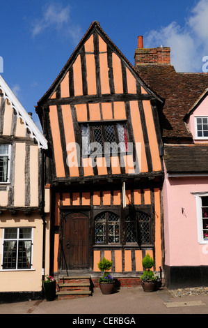 The Crooked House Gallery in a half-timbered medieval building built around 1425 in Lavenham. - Stock Photo