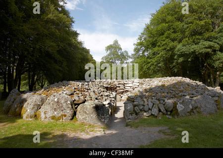 A view toward the prehistoric burial cairns of Balnuaran of Clava. - Stock Photo
