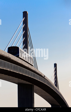 The CanadLine light rapid transit linking - Stock Photo