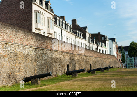 Eerste Middeleeuwse Omwalling (First Medieval City Wall), dating from 1229, Maastricht, Limburg, The Netherlands, - Stock Photo
