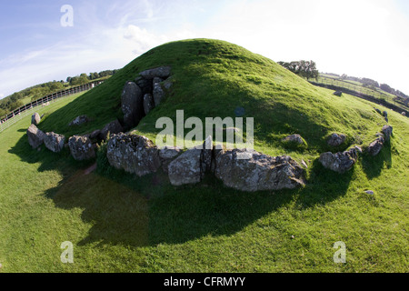 Bryn Celli Ddu a chambered neolithic burial mound and standing stone in Anglesey, North Wales - Stock Photo