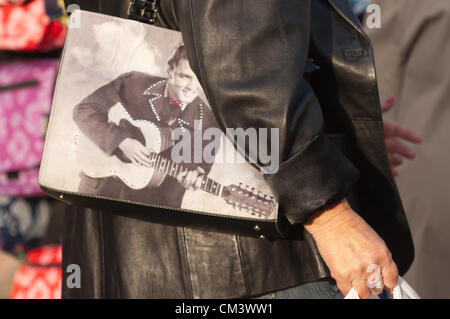 28th September 2012. Porthcawl, UK. A fan carries an elvis memorabilia handbag. Thousands of Elvis fans and lookalikes - Stock Photo
