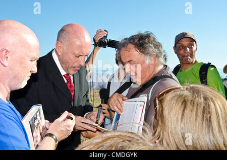 Olympic Gold Medallist Steve Ovett signs autographs fo his fans as he is given the freedom of the city of Brighton - Stock Photo
