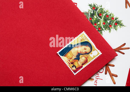 UK 5 November 2013. With only 49 days to Christmas the Christmas stamps are released in the UK - 2nd class Christmas - Stock Photo