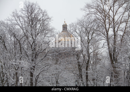 Saint Isaac's Cathedral or Isaakievskiy Sobor, St. Petersburg, Russia. - Stock Photo