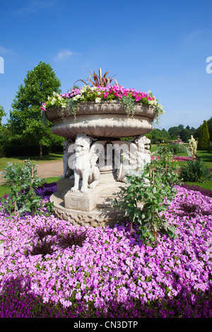 England, London, Regents Park, Avenue Gardens, Flower Display - Stock Photo