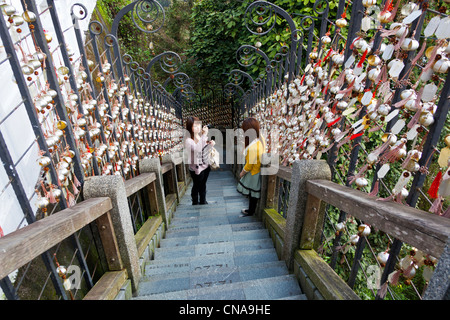 'Stairway to Heaven', or Steps of the Year, 366 steps up from the lake to Wenwu Temple, Sun Moon Lake, Taiwan. JMH5841 - Stock Photo