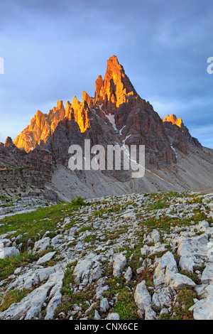 'Paternkofel' (2744 m) at the Dolomites with the top illuminated by morning light, Italy, South Tyrol, Dolomites - Stock Photo
