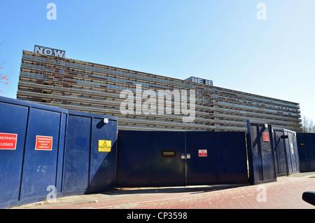 Block of flats on the Heygate estate, Elephant & Castle - Stock Photo