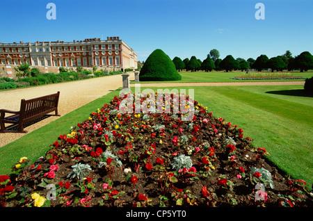 England, London, Hampton Court Palace - Stock Photo