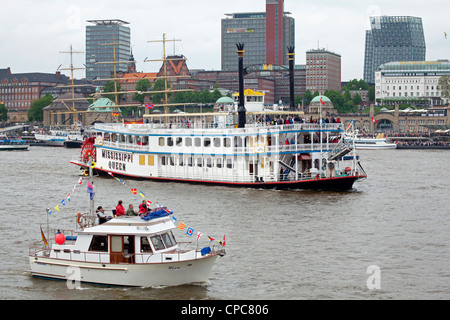 paddlesteamer Mississippi Queen, entering port parade, Harbour Birthday, Hamburg, Germany - Stock Photo