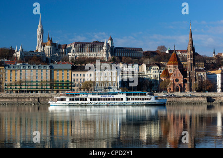 View over River Danube to Matthias Church (Matyas Templom) and Fishermen's Bastion, Budapest, Central Hungary, Hungary, - Stock Photo