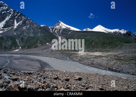 On the Chandra River, near the Kunzum Pass, Lahaul and Spiti district, Himachal Pradesh, Indian Himalayas, North - Stock Photo