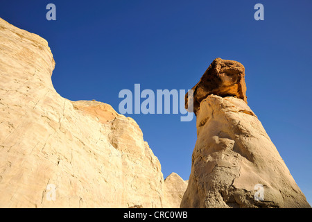 White Hoodoos, toadstool hoodoos, rimrocks, Grand Staircase Escalante National Monument, GSENM, Utah, United States - Stock Photo