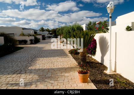 Gardens and Villas, Alondra suites, Puerto Del Carmen, Lanzarote, Canary Islands, Spain. - Stock Photo