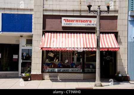 Wisconsin, Manitowoc. Downtown, 8th street. Beerntsen's Confectionery. - Stock Photo