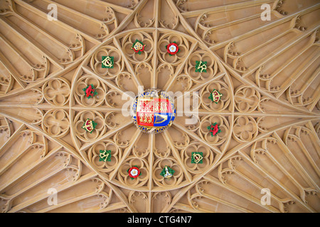 Fan-vault covered with heraldic arms at the Great Gatehouse, Hampton Court Palace, London, Surrey, England, UK, - Stock Photo