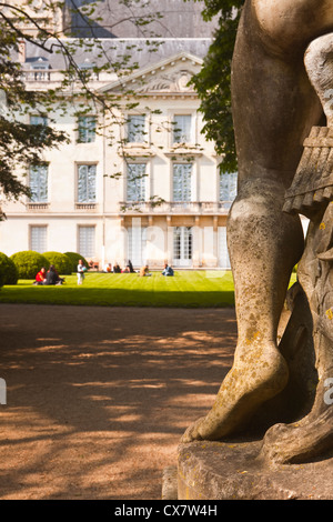 The gardens surrounding the musee de beaux arts in Tours, France. - Stock Photo