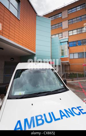 Ambulance parked outside the Haematology department of Southampton General Hospital - Stock Photo