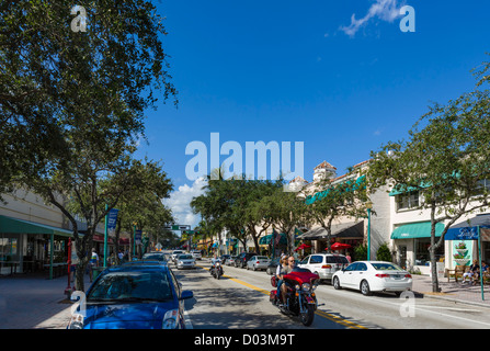 Shops and restaurants on Atlantic Avenue in historic downtown Delray Beach, Palm Beach County, Treasure Coast, Florida, - Stock Photo