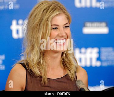 Rosamund Pike The 35th Toronto International Film Festival - 'Barney's Version' - press conference held at the Hyatt - Stock Photo