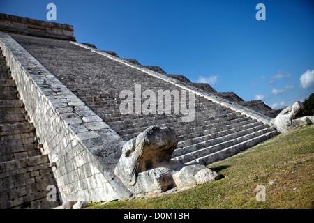 Serpent head on north side of the Temple of Kukulkan (Castillo De Kukulcan/El Castillo). Chichen Itza site in Yucatan, - Stock Photo