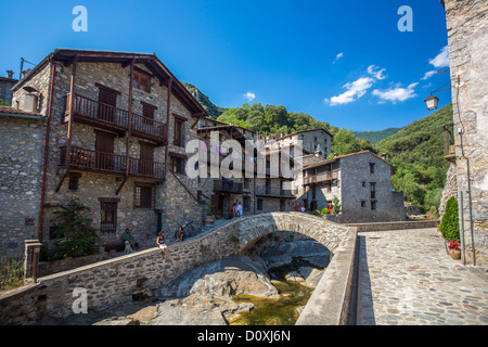 Spain, Europe, Catalonia, Girona Province, Beget, town, architecture, bridge, medieval, Mediterranean, nature, picturesque, - Stock Photo
