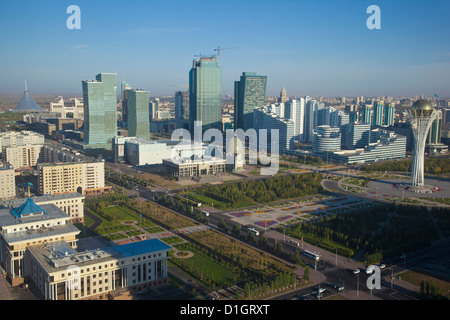 Nurzhol bulvar, the new governmental zone and the Bayterek Tower, the Khan Shatyr retail centre on the left, Astana, - Stock Photo