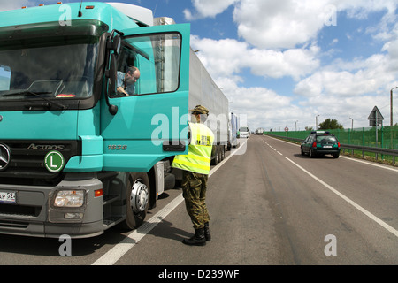 Koroszczyn, Poland, border guards in the control of a truck on exports - Stock Photo