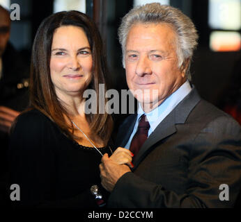 US actor and director Dustin Hoffman and his wife Lisa arrive for the premiere of his new movie 'Quartett' at Deutsche - Stock Photo