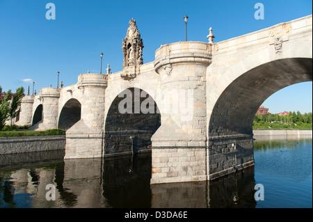 Puente de Toledo spanning the Manzanares river, Madrid, Spain - Stock Photo