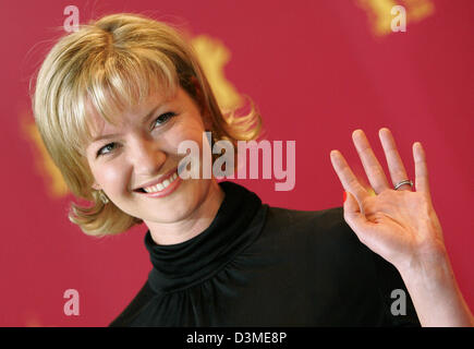 US American actress Gretchen Mol smiles during a photo call for her new film 'The Notorious Bettie Page' at the - Stock Photo
