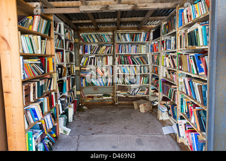 Books in honesty book shop in hay-on-wye - Stock Photo