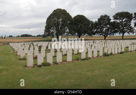General view of the headstones in the Courcelette British Cemetery, Somme, France. - Stock Photo