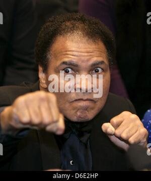 FILE - An archive picture dated 17 December 2005 shows former boxing professional Muhammad Ali prior to the boxing - Stock Photo