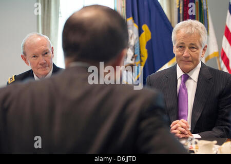 US Secretary of Defense Chuck Hagel meets with Secretary General of the United Nations Ban Ki-moon at the Pentagon - Stock Photo