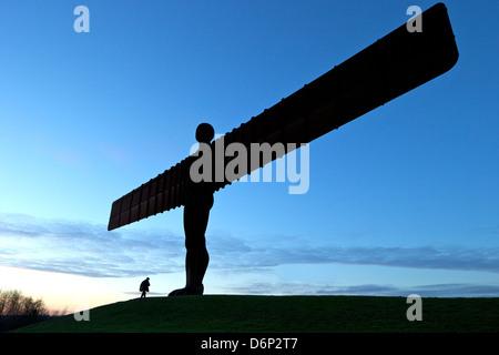 Angel of the North by Antony Gormley, erected 1998, Gateshead, Tyne and Wear, England, United Kingdom, Europe - Stock Photo