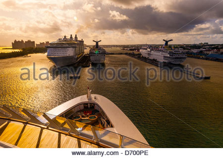 Arriving in Nassau, The Bahamas aboard the new Disney Dream cruise ship ( Royal Caribbean Allure of the Sea, Carnival - Stock Photo