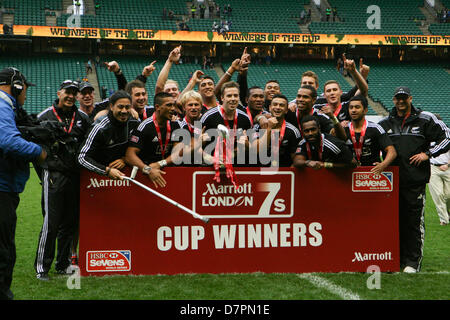 London, UK. 12th May 2013. New Zealand beat Australia 42 - 12 to be declared London 7s Cup winners at the Marriott - Stock Photo
