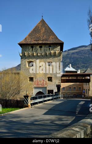 Italien, Südtirol, Vinschgau, Tauferer Turm der Stadtbefestigung von Glurns - Stock Photo