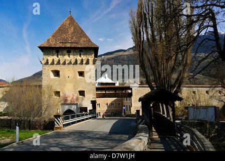 Italien, Südtirol, Vinschgau, Tauferer Turm der Stadtbefestigung Glurns - Stock Photo