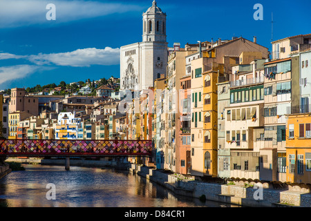 Colorful houses along the banks of River Onyar, Girona, Catalonia, Spain - Stock Photo