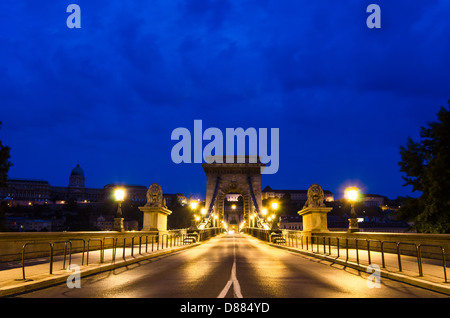 Night view of the famous Chain Bridge in Budapest, Hungary - Stock Photo
