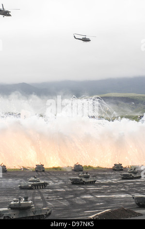 Japan Ground Self-Defense Forces (GSDF) take part in a live fire exercise in Japan - Stock Photo