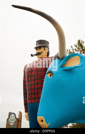 PAUL BUNYAN AND BABE THE BLUE OX IN BEMIDJI, MINNEOSTA - Stock Photo