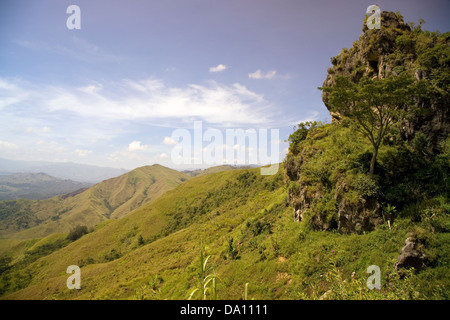Landscape along the route of Lincoln Kisuma's cultural trek from Kemase village in the Eastern Highlands of Papua - Stock Photo