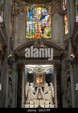 The interior of Genoa's San Lorenzo Cathedral,  Italy 8 - Stock Photo